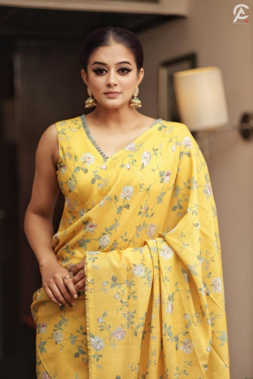 Actress Priyamani (1)