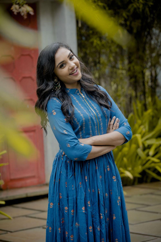 Smruthi Venkat (20)