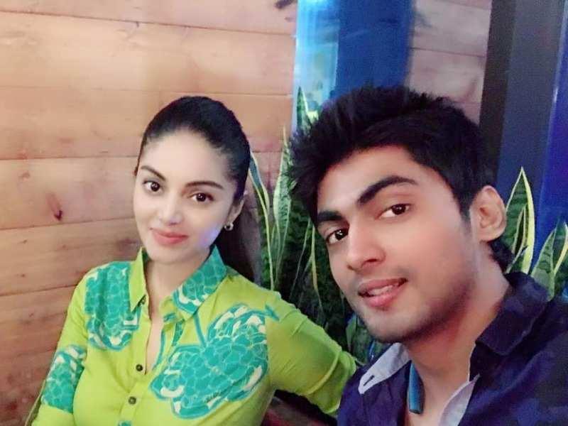 sanam shetty and tharshan
