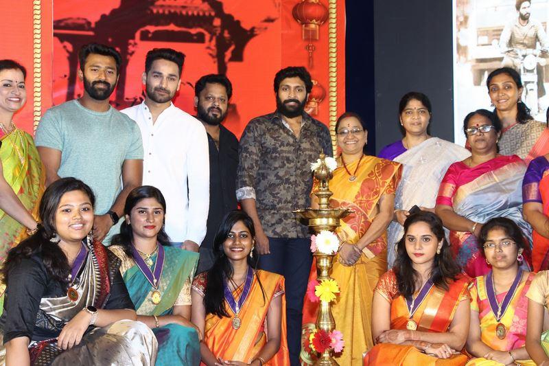Vaanam Kottattum Team at Ethiraj College Photos