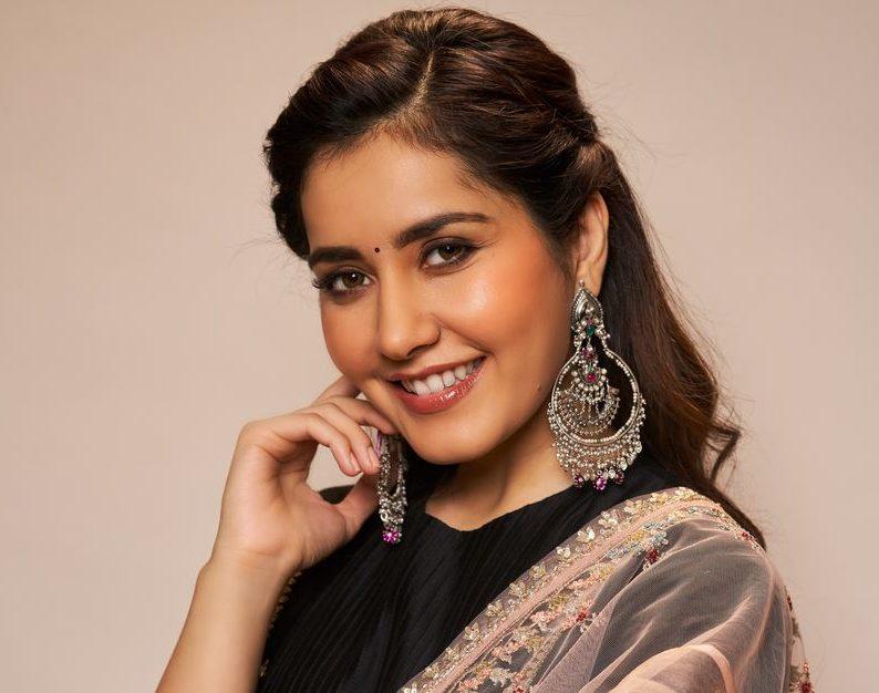 Actress Rashi Khanna Photos