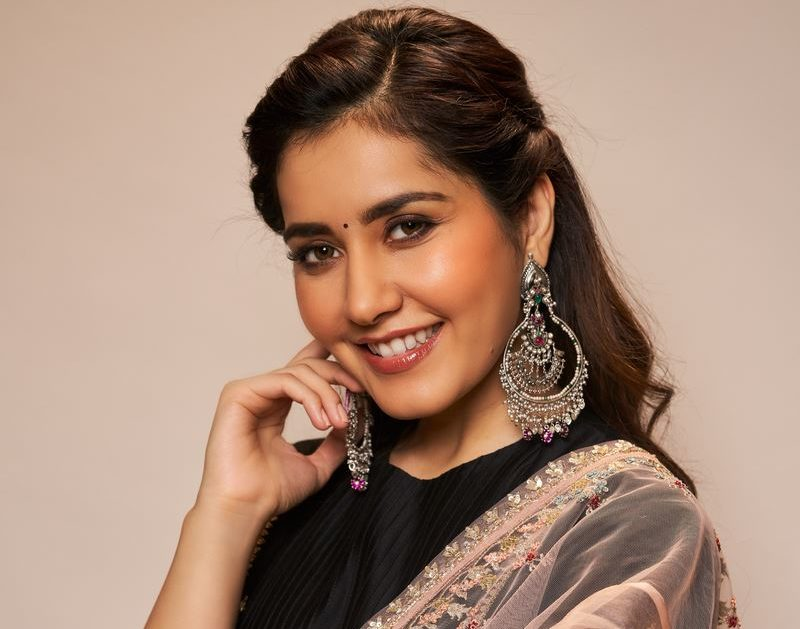 Actress Rashi Khanna Photos