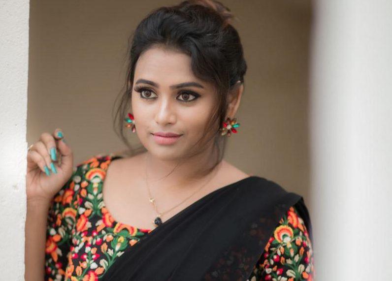 Actress Farina Azad Photos