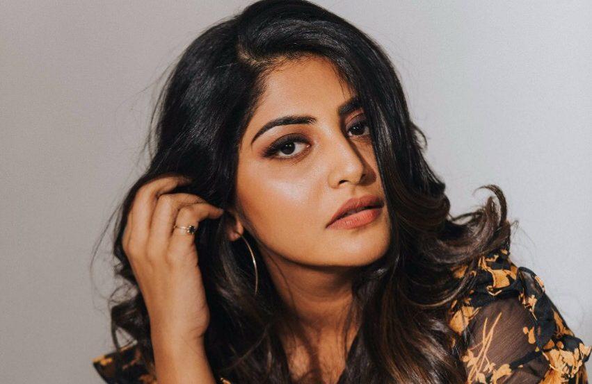 Actress Manjima Mohan New Photos
