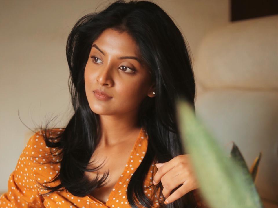 Actress Nivedhithaa Sathish Photos