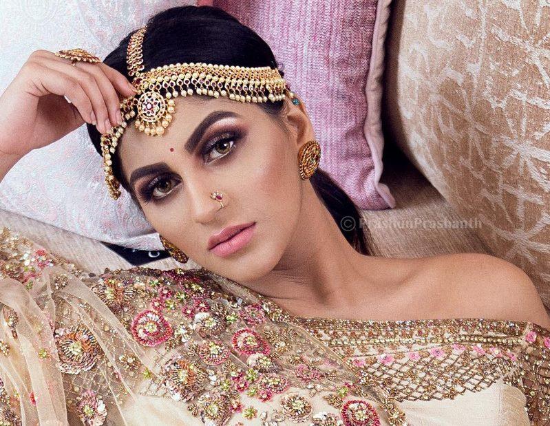 Actress Yashika Aannand Photo Shoot