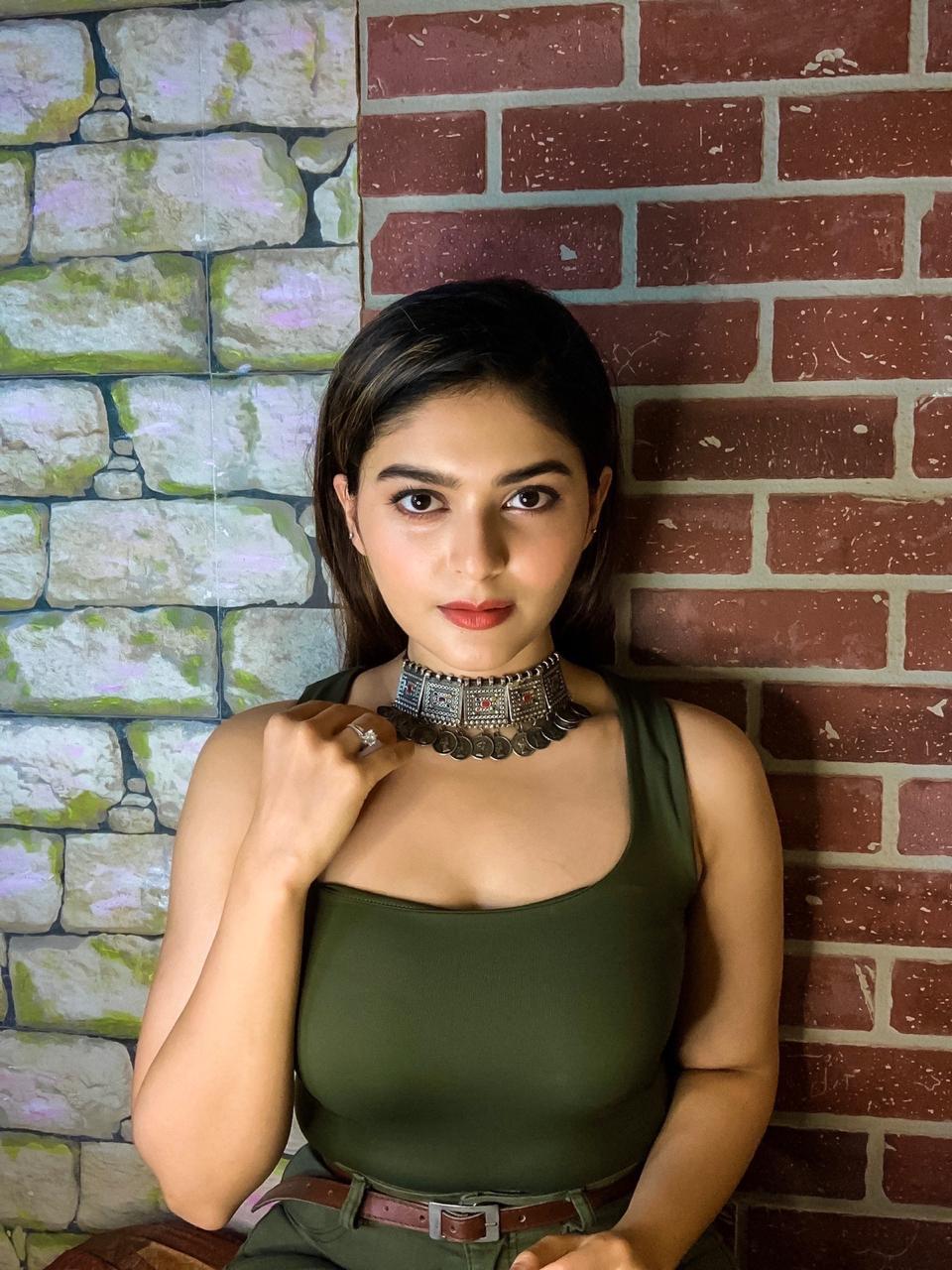Actress Vaibhavi Shandilya New Gallery