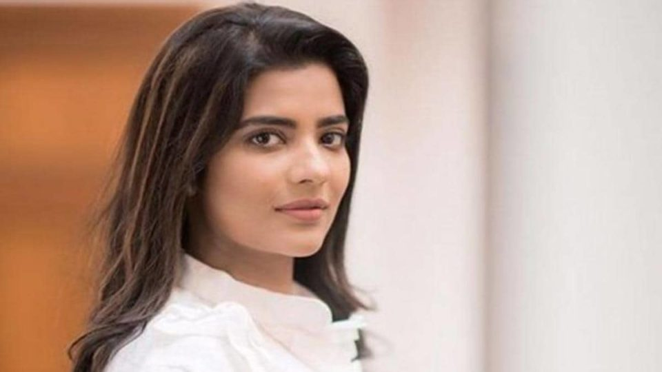 Desire to win a National Award for starring in a biopic of Manorama - Aishwarya Rajesh