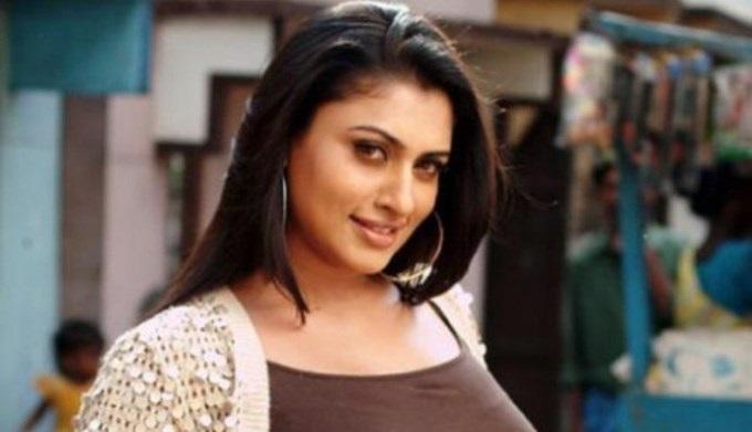 actress malavika latest stills