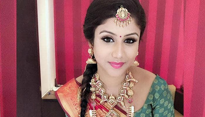 Actress Alya Manasa kuthu dance