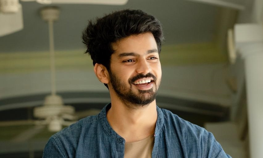 Cool and casual look of Actor Mahat Raghavendra