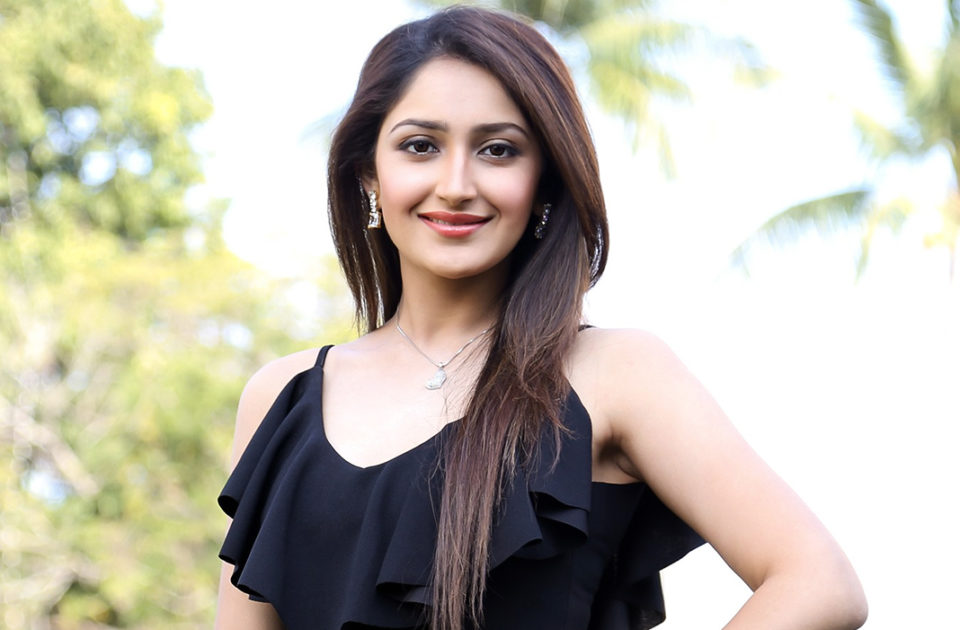 Sayesha withdraws from popular actor film
