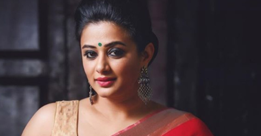 The mother of the famous actor asked me the girl - Priyamani
