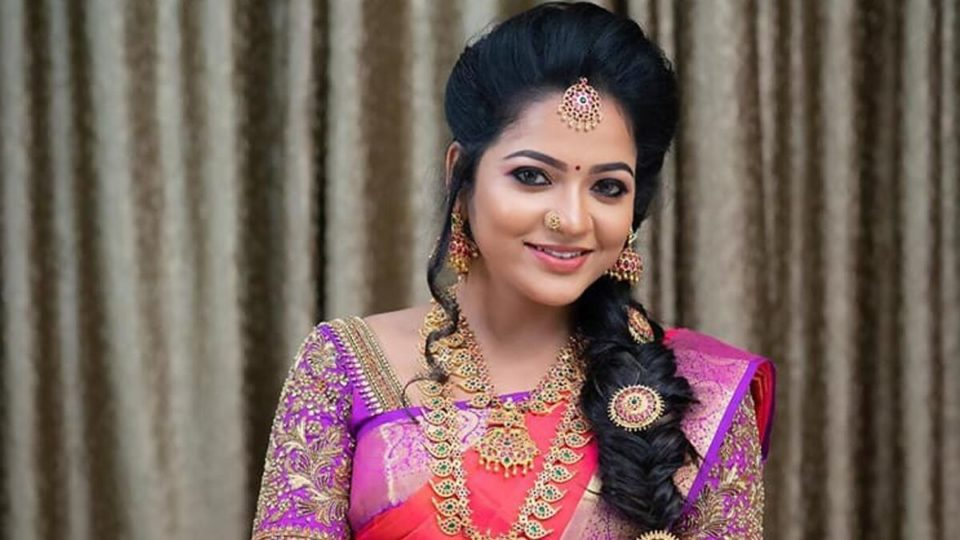 Is actress Chitra involved in TV show host in suicide case - Father-in-law complains to the Commissioner