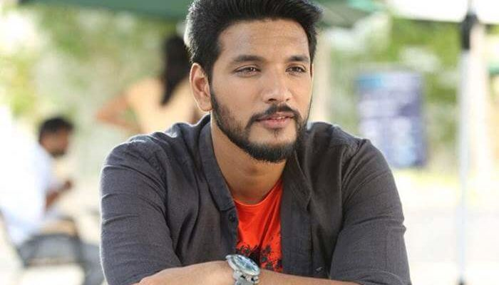 People arrested for stealing Gautham Karthik's cell phone