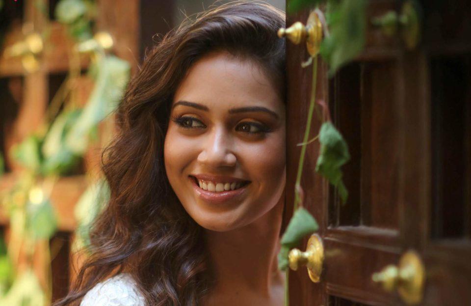 I want to be Pombala Vijay Sethupathi - Nivetha Pethuraj