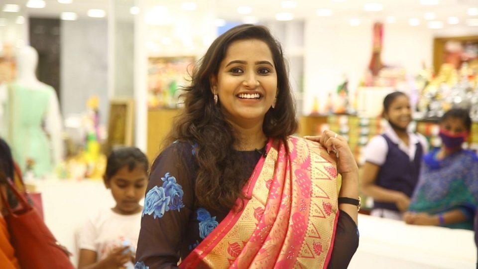 Morattu Singles Jacqueline Pongal Shopping at Velavan Stores