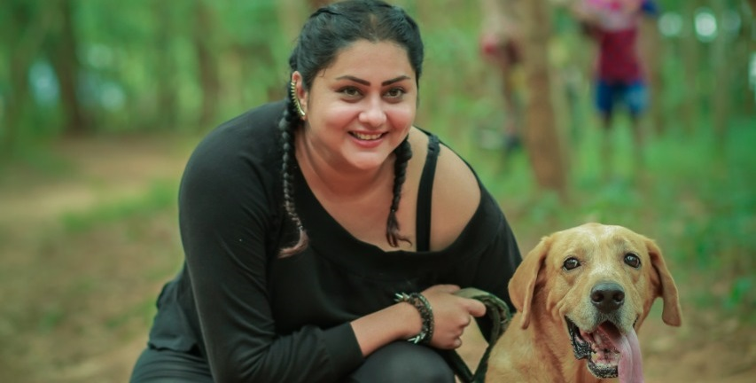 Namitha falls into a well while shooting for her next film
