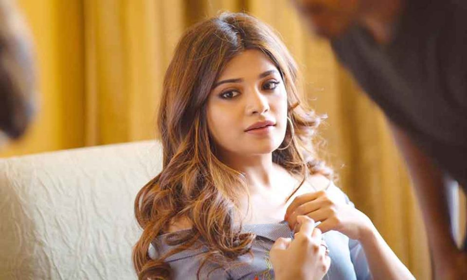 aathmika praised and gifted the dope potter