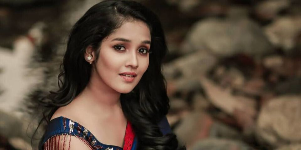 Ajith's Reel daughter afraid to go outside