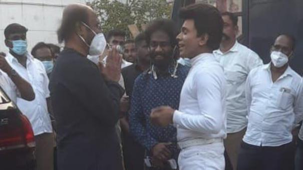 Legend Saravanan meets Rajini
