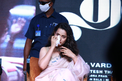 Kangana Ranaut breaks down at Thalaivi trailer launch