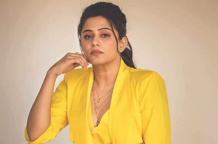 Fan who asked for nude photo - Priyamani answered