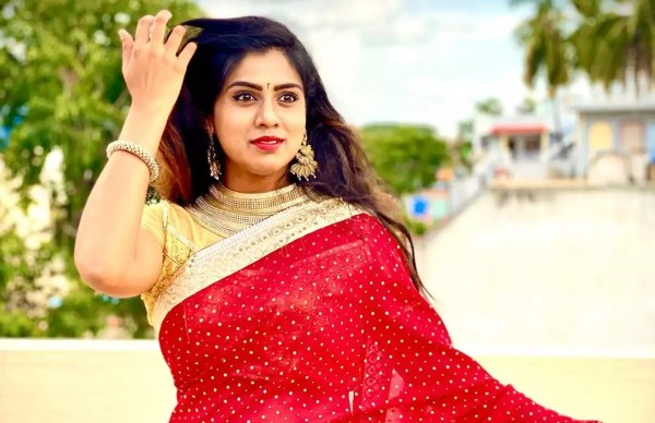 Former Bigg Boss contestant Chaitra Kotoor attempts suicide