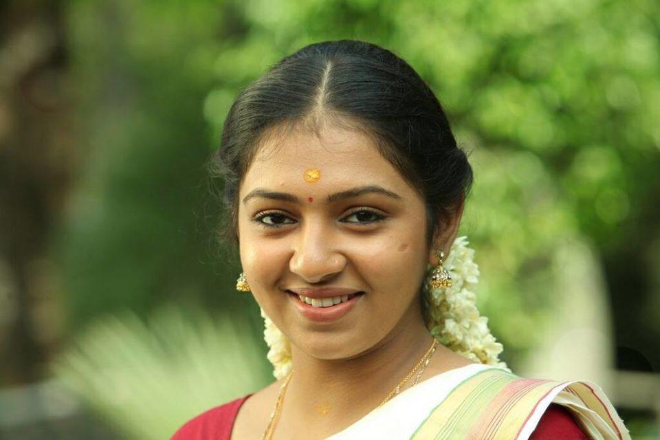 I am not single - Lakshmi Menon