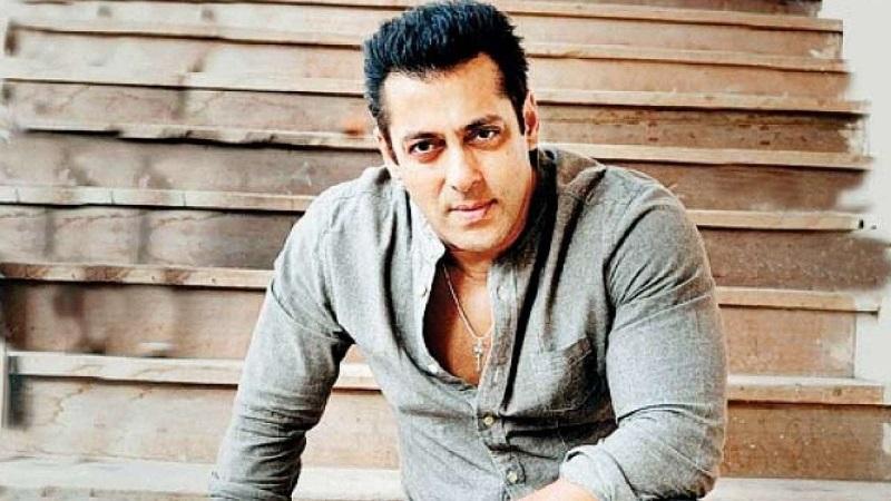Salman Khan warns fans
