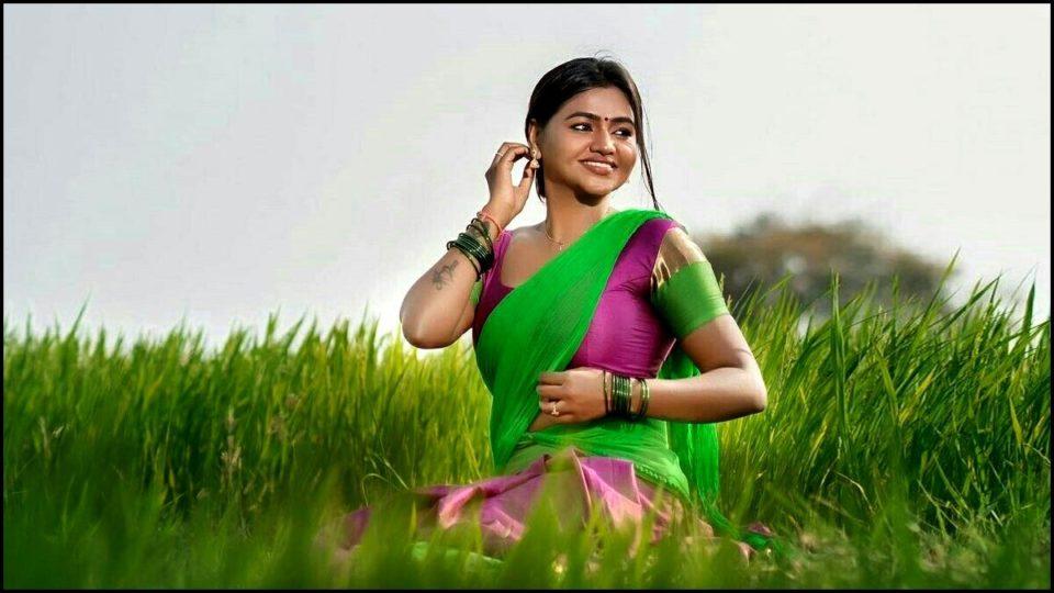 Shalu Shammu half saree