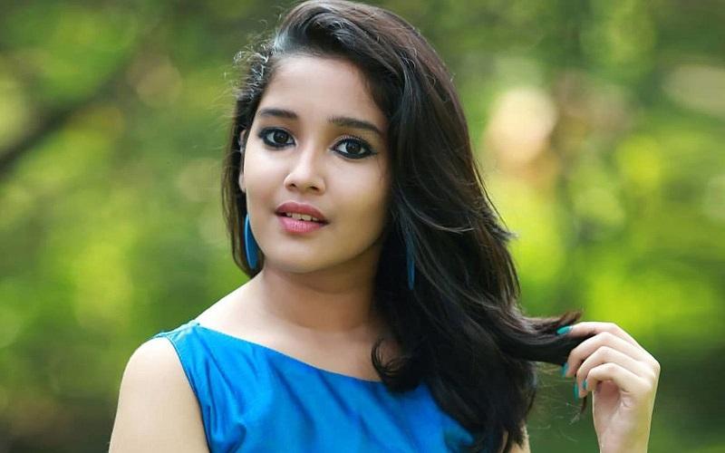 The fan made actress Anikha shudder