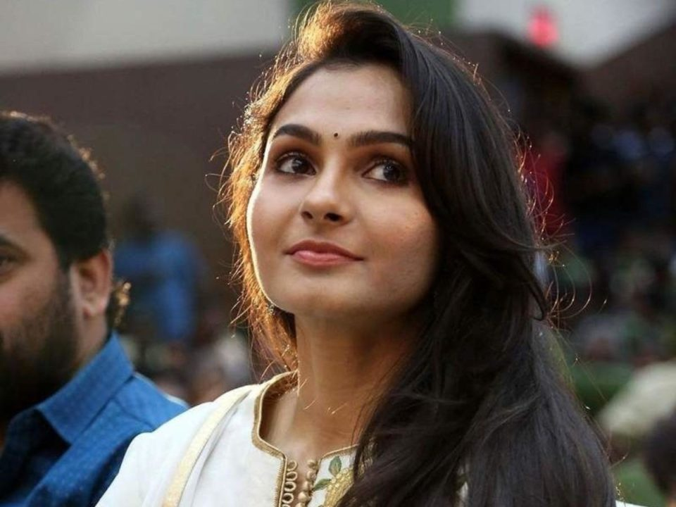 andrea jeremiah exercising with the dog