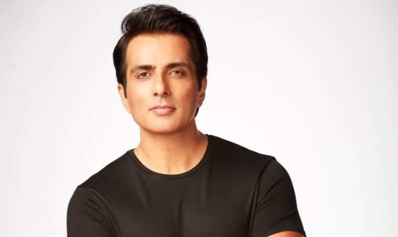 sonu sood's house and People asking for help