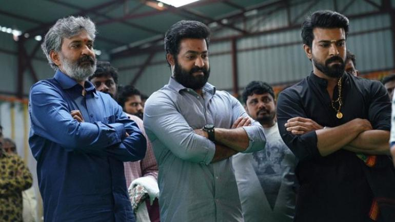 8 minute song scene of 'RRR' .... Rajamavuli plan to shoot for a month