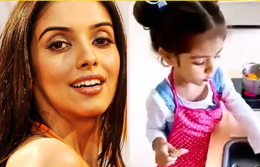 Famous actress teaches dance to her 3 year old daughter