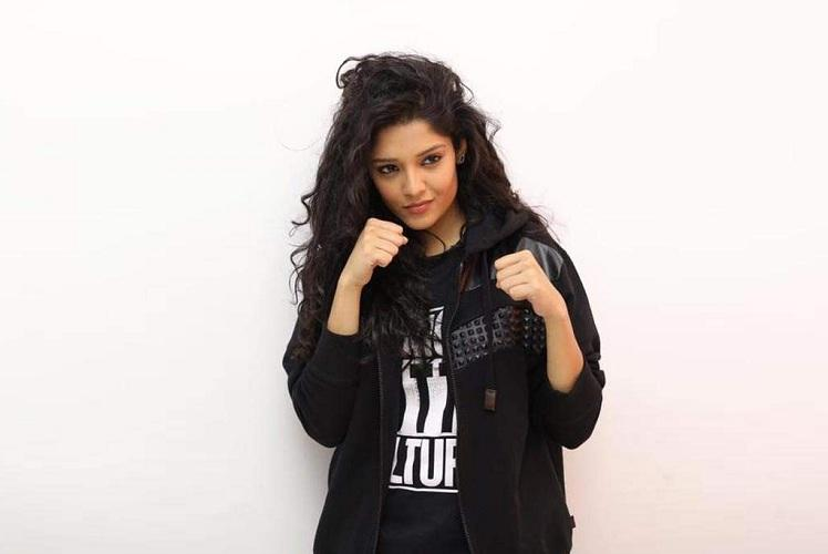 New decision taken by Ritika Singh due to lack of shooting