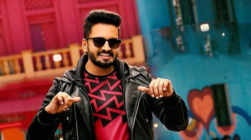 Santhanam to join hands with Rathna Kumar