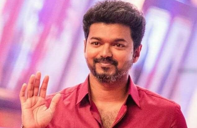Vijay fans gifting gold coins to doctors and nurses