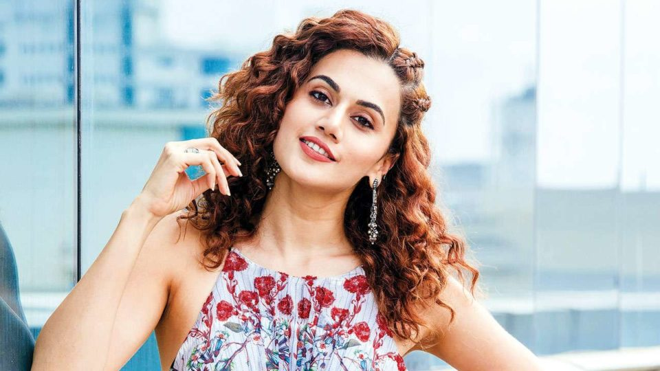 When to hold the hand of the lover - Taapsee Pannu