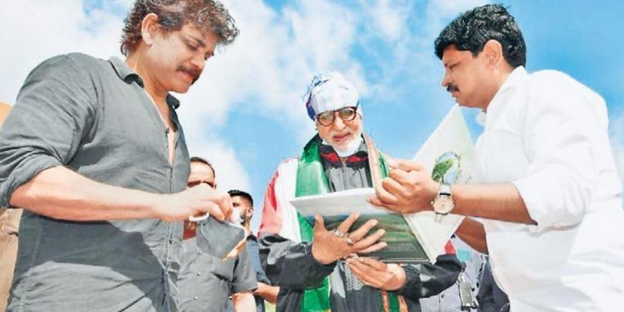 Amitabh Bachchan participates in Green India