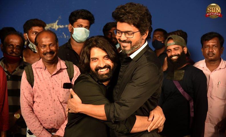 Choreographer celebrating his birthday with Vijay