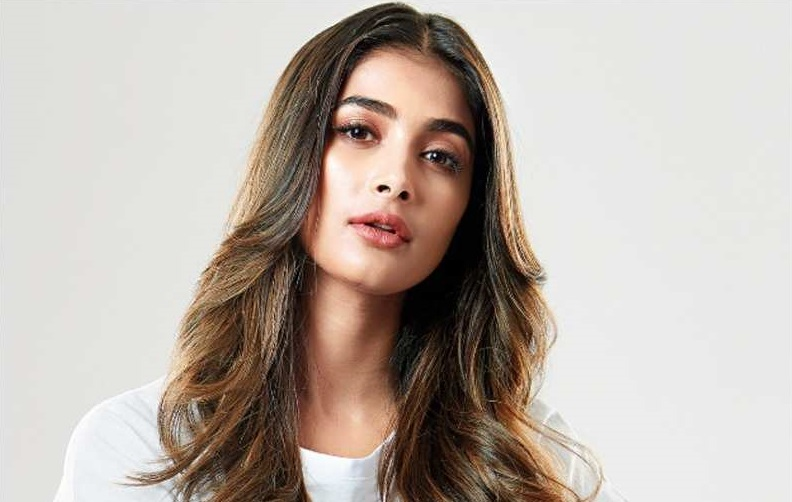 Pooja Hegde join with famous actor
