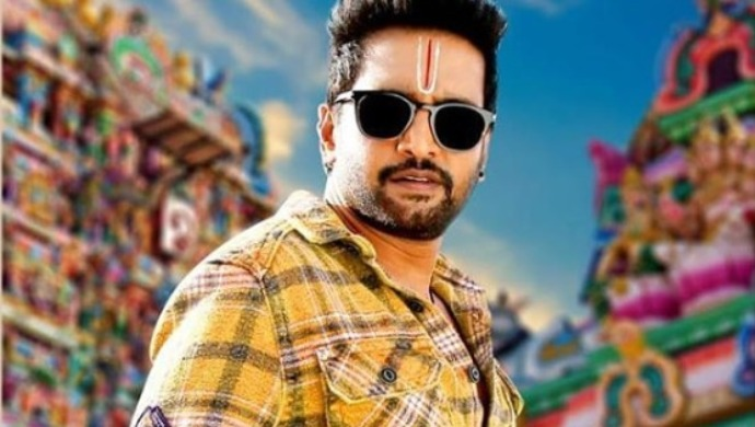 3 pictures of Santhanam getting ready for OTT release
