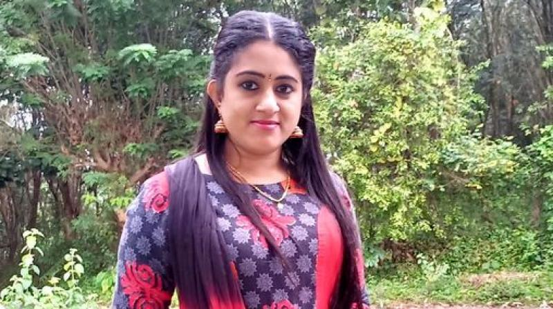 Malayalam serial actress nimisha bijo arrested for photoshoot in temple boat
