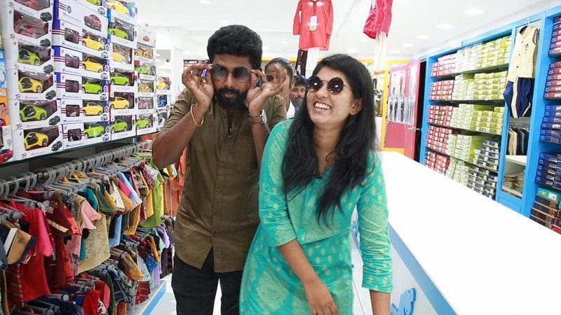 Pandian Stores Saravana and Vj Deepika Shopping at Velavan Stores