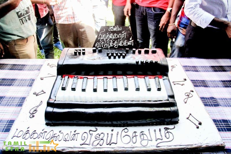 Actor Vijaysethupathi Birthday celebration with YOYK Unit (5)