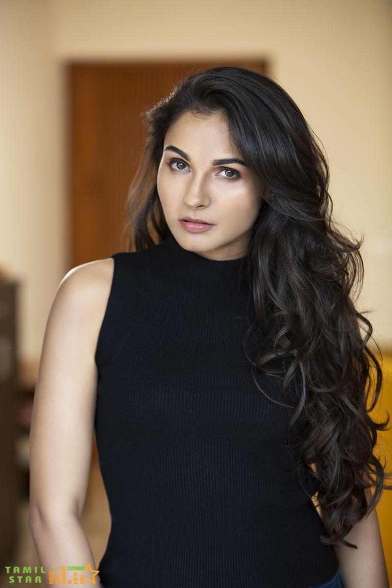 Actress Andrea Jeremiah Photos (2)