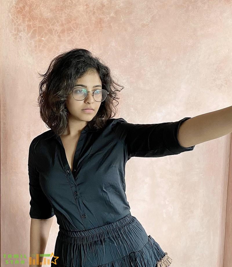 Actress Anjali Latest Photos (2)