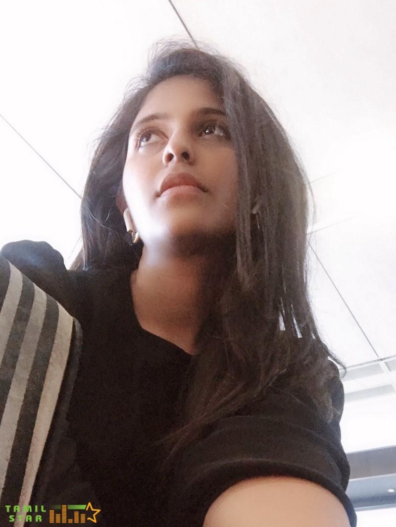 Actress Anjali Latest Photos (4)